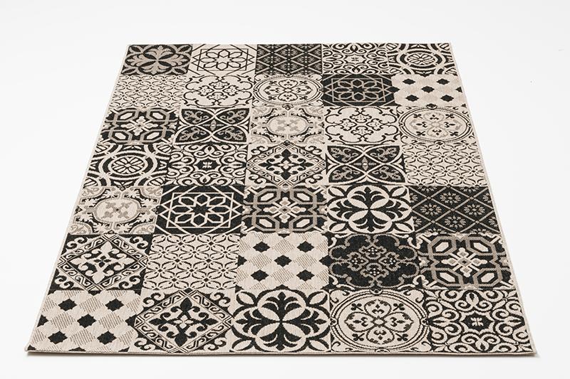 kylpyläkuvioitu matto
